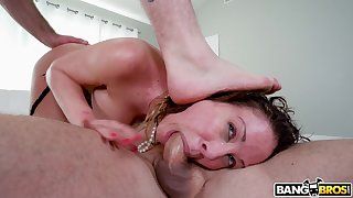 Two dudes with spacious dicks crew prevalent to double penetrate Cherie Deville