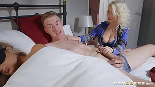 Wee Princess Eve does the nasty with her hung son-in-law