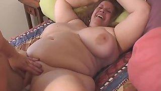 Rosie Wilde And Curvy Sharon