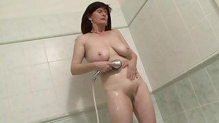 Interracial anal sex relative to exploitative mature brunette Janicka. HD