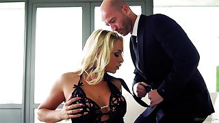 Scrounger in suit fucks classy MILF for ages c in depth playing dominant nigh her
