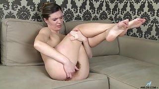 Perishable pussy mature Agatha enjoys pleasuring her cravings. HD