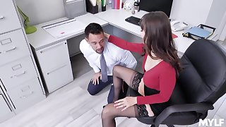 Bitchy cougar boos Lexi Luna has a crazy sex with one of her favorite employees