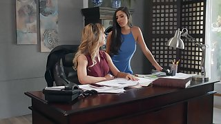 Of either sex gay pussy licking on the table - Cherie Deville with an increment of Gianna Dior