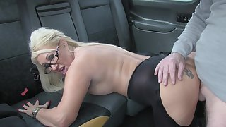 Hot taxi sex for lucky driver and flaxen-haired slut Mia Makepeace