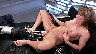 Fuck apparatus solo experience for the steamy mommy